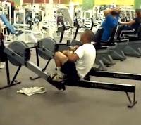 el tonto del gimnasio