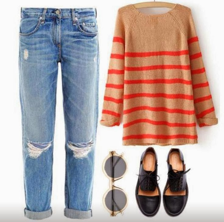 Ripped jeans, oversize sweater and boots for fall