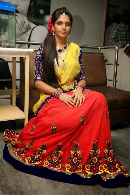 Anusha Stills At Bridal Dream Make up At Lakme Salon