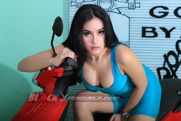 Angel Aqilla, Sexy BlackXperience Model Pict Juli 2013