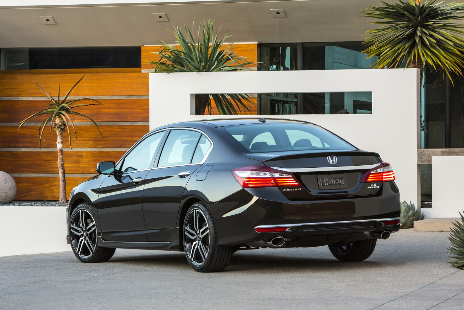 honda debuts 2016 accord facelift we visually compare it with the 2015my carscoops. Black Bedroom Furniture Sets. Home Design Ideas