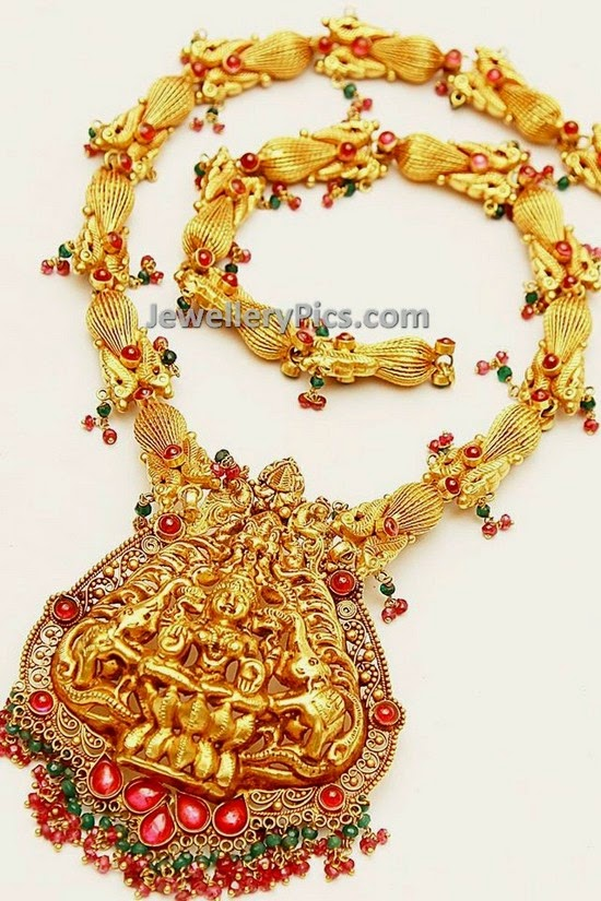 Distinctive gold nakshi lakshmi haram