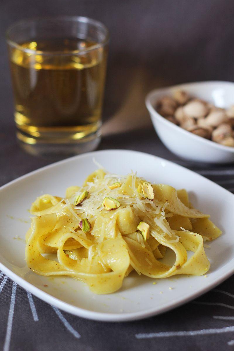 Pappardelle z pistacjami
