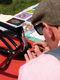 stu dobell hand pinstriping rockin rods car show australia 2013 of dobell signs