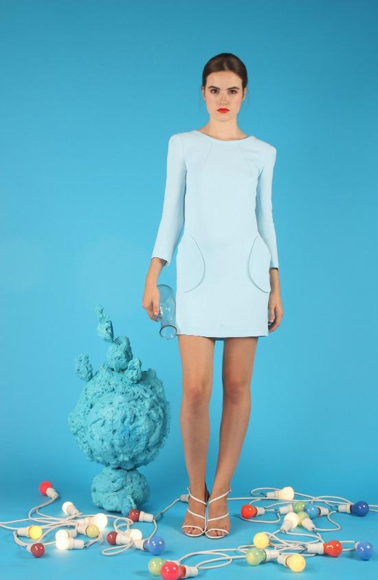 La perfecta invitada: Azul y buganvilla