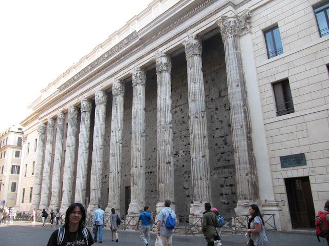 El Templo de Adriano en Roma