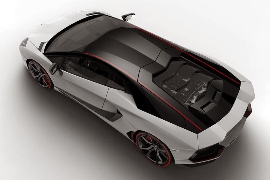 Lamborghini Aventador LP 700-4 Pirelli Edition (2015) Rear Side