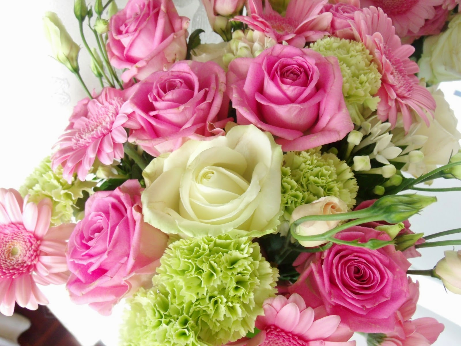 Birthday flowers wallpapers downloads happy birthday flowers wallpapers downloads izmirmasajfo Choice Image