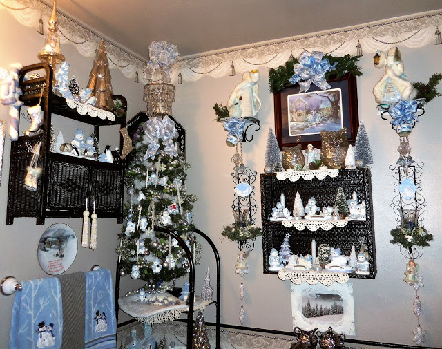 Winter Wonderland in the Powder Room, Christmas Home Tour, 2018