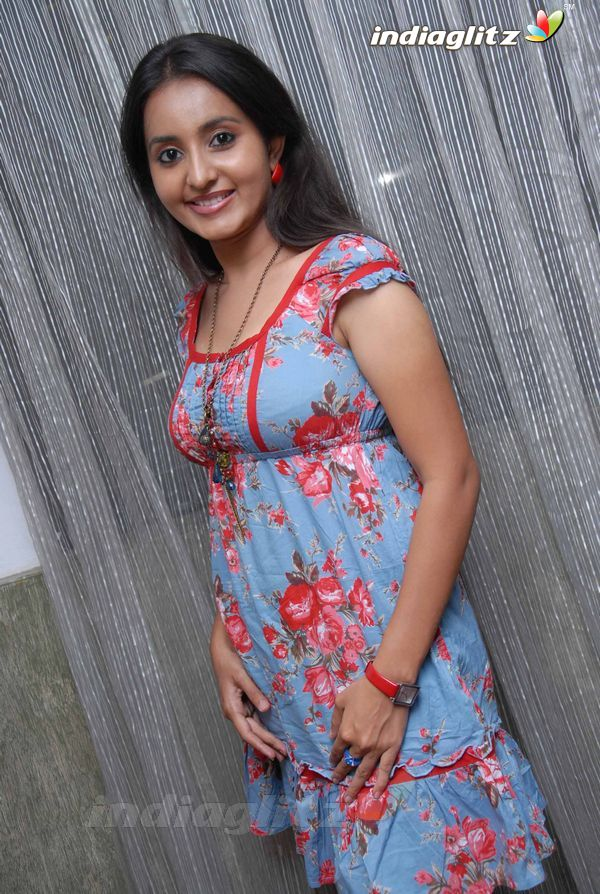 Bhamasexy seth Indian actress hot boob cleavage showseducing armpitssexy body showexclusive gallery by the Malayalam Tamil actress unseen pics