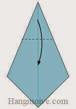 Bước 4: Gấp góc giấy xuống dưới.