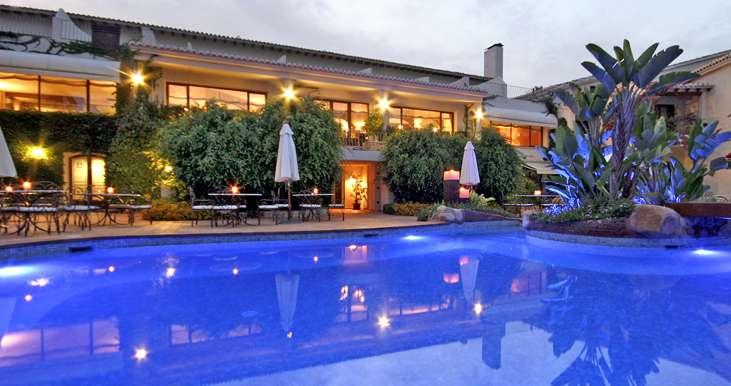 Brownie y sus cosas la puerta vac a esteban navarro for Hoteles en benidorm con piscina climatizada