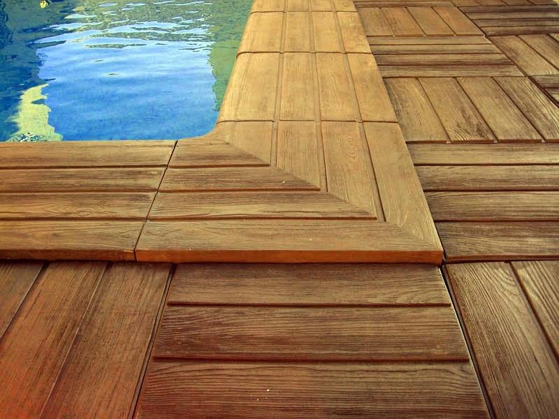 Piscinas lindas y modernas en fotos piscinas con bordes for Madera para piscinas