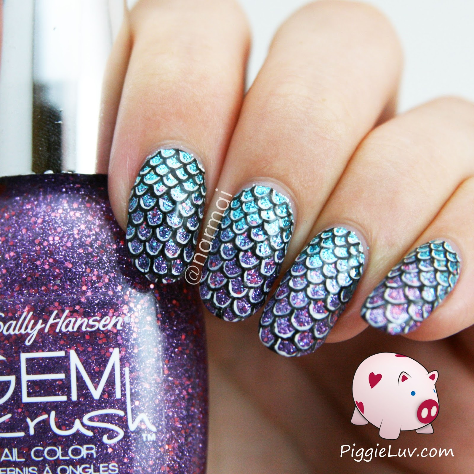 PiggieLuv: Mermaid scales nail art + video tutorial