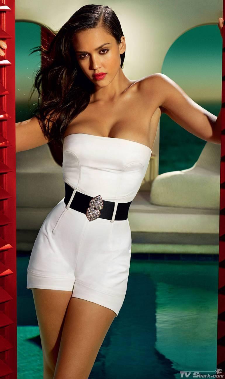 Celebrities Cleavage Pics: Jessica Alba Cleavage Pics