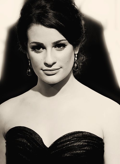 Lea Michele Hairstyles 41