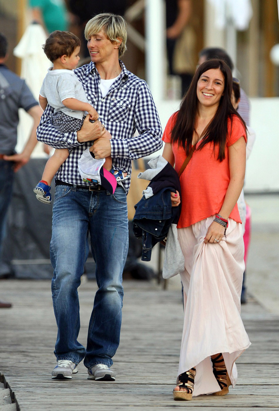 Football Stars: Fernando Torres With Kids And Wife Olalla