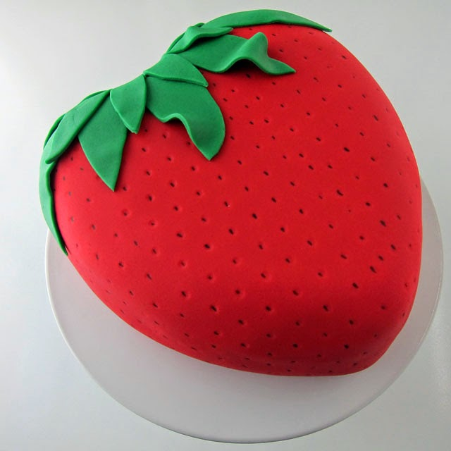 Strawberry Surprise Cake | HungryHappenings.com