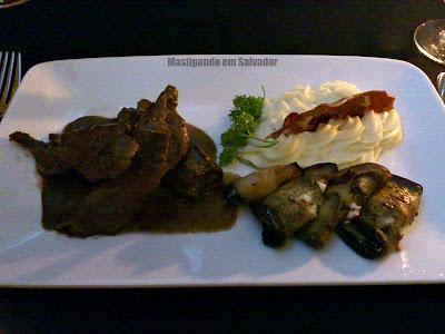 Confraria Mediterrâneo: Nacos de Mignon com Queijo de Cabra