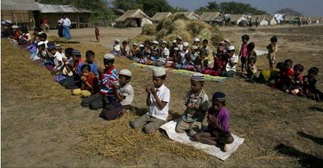 Rakyat Aceh Tak Rela Saudara Seiman Terombang-Ambing Mati Kelaparan Di Laut