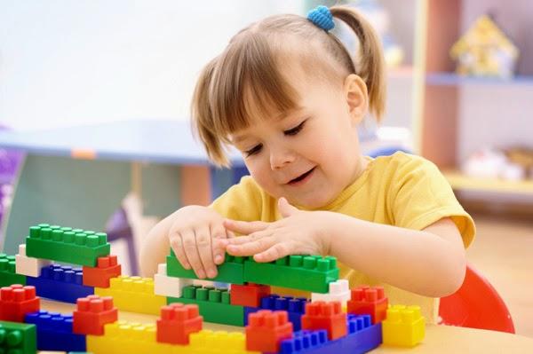 Cara  Merangsang Perkembangan Anak