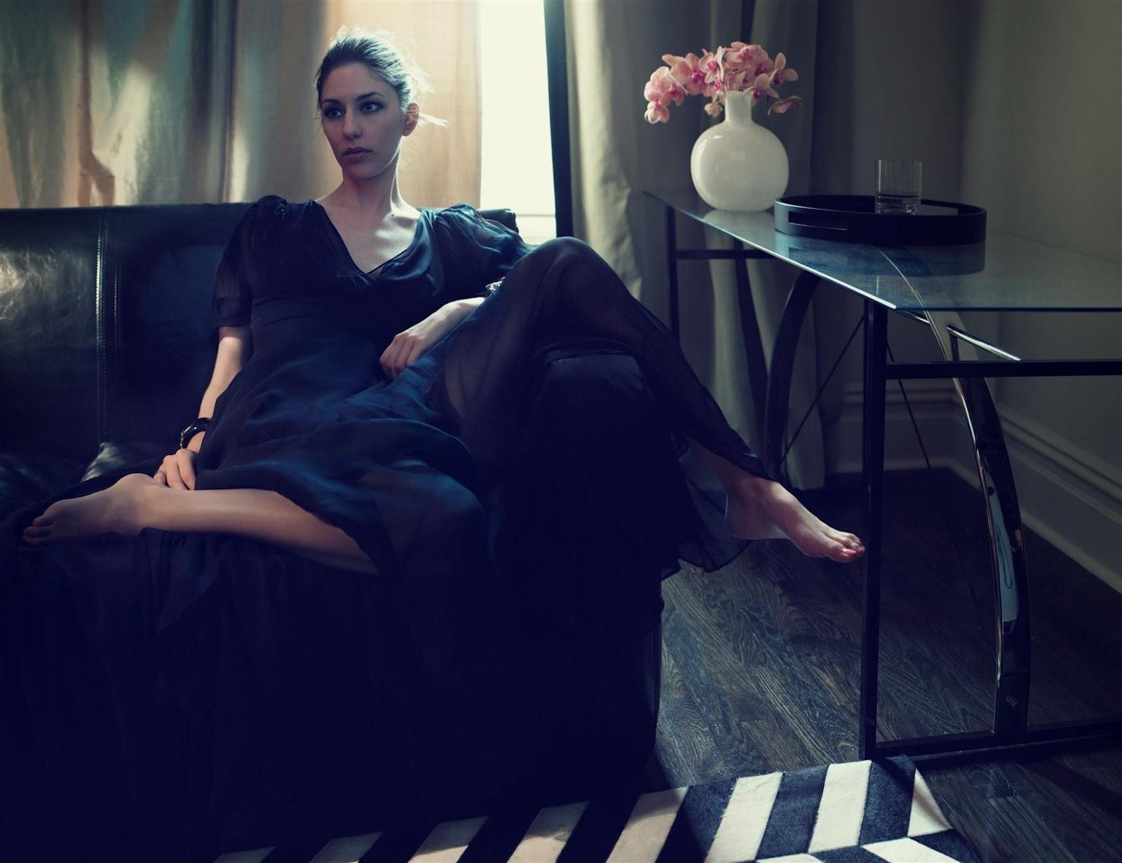http://4.bp.blogspot.com/-nRlWmnd5V5s/TzBkweGO3mI/AAAAAAAABj8/EqclOjOOttQ/s1600/Sofia-Coppola-Feet-260941.jpeg