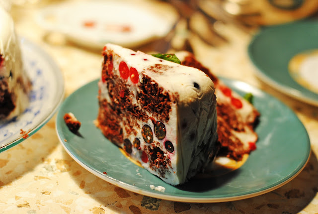 Торт с творожно-сливочным суфле и ягодами. Легко и невероятно вкусно!