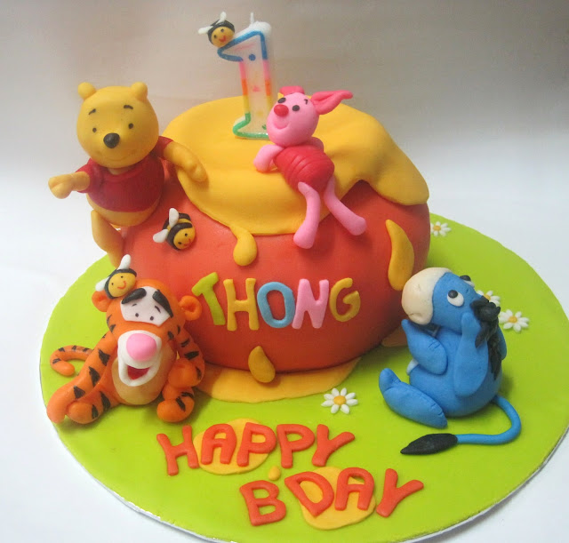 Mom And Daughter Cakes: 3D Winnie The Pooh & Friends Hunny ...