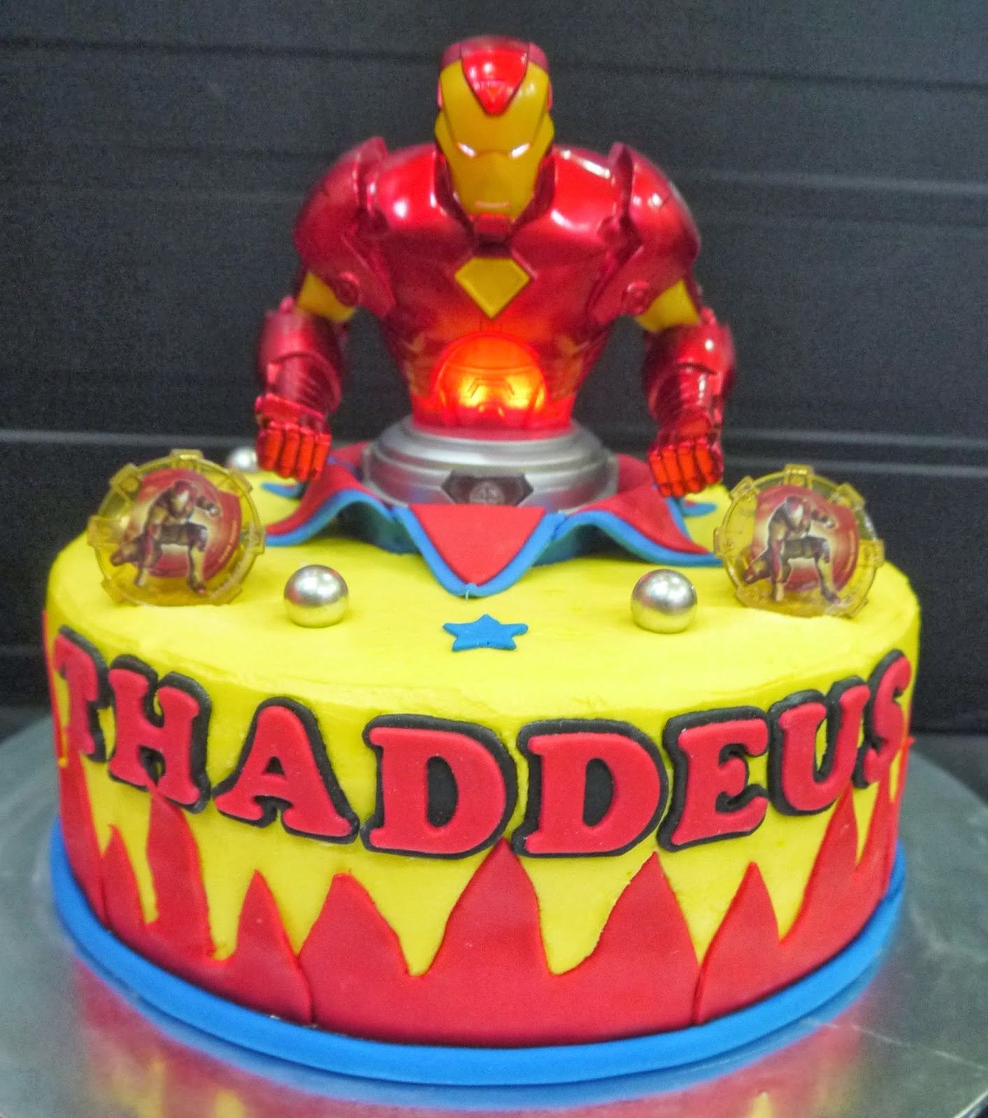 Cake Design Iron Man Prezup for