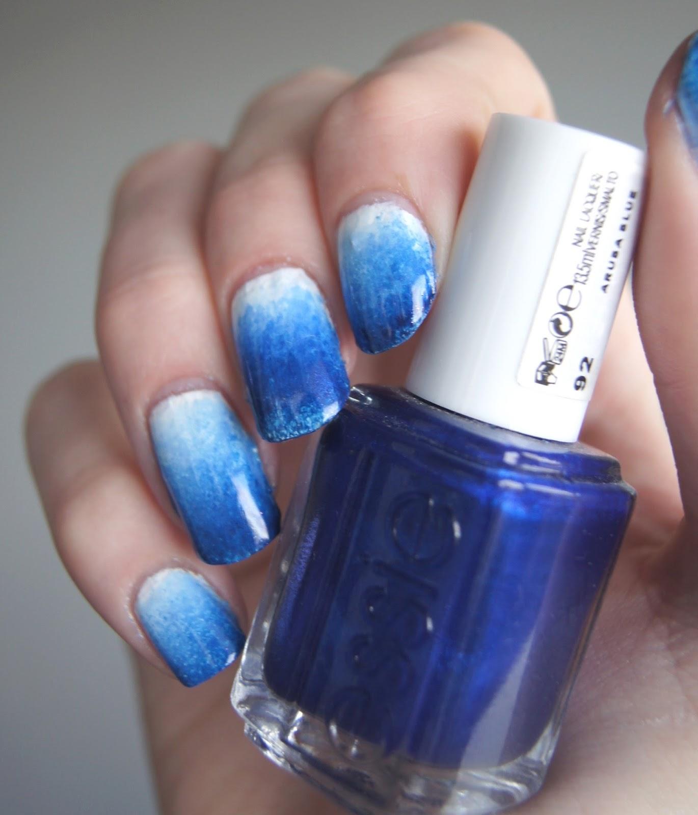ongles dégradés bleus