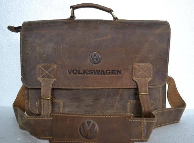 Tas Kerja Selempang Pria Volkswagen Cokelat Gelap