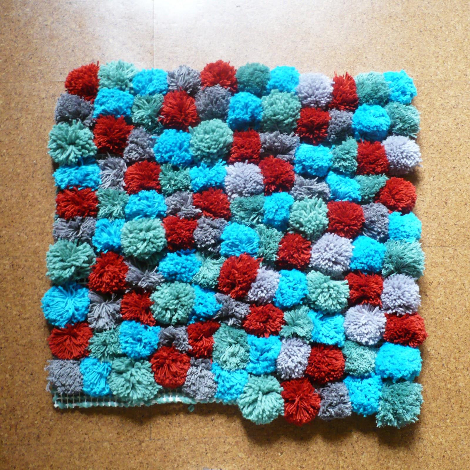 Madness alfombra pompones pompoms carpet - Alfombra de pompones ...
