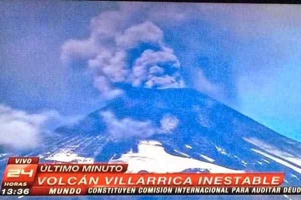 ALARMA EN CHILE POR ENORME FUMAROLA DEL VOLCAN VILLARRICA
