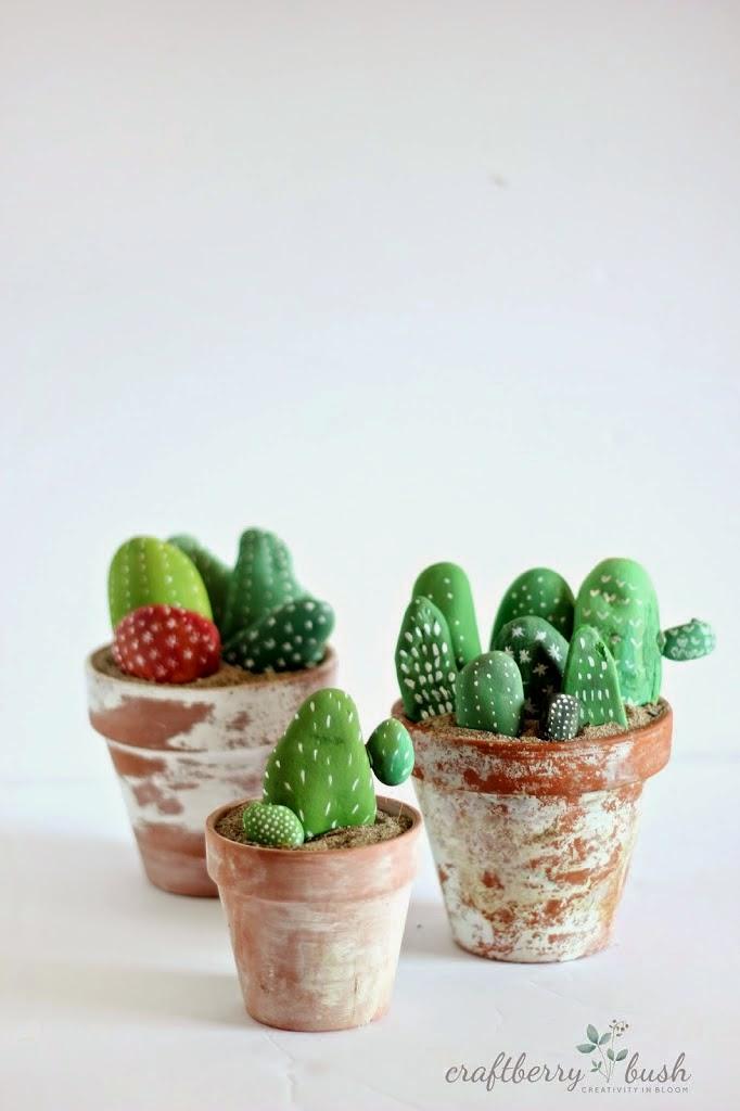 pedras imitando cactus, vaos de cactus