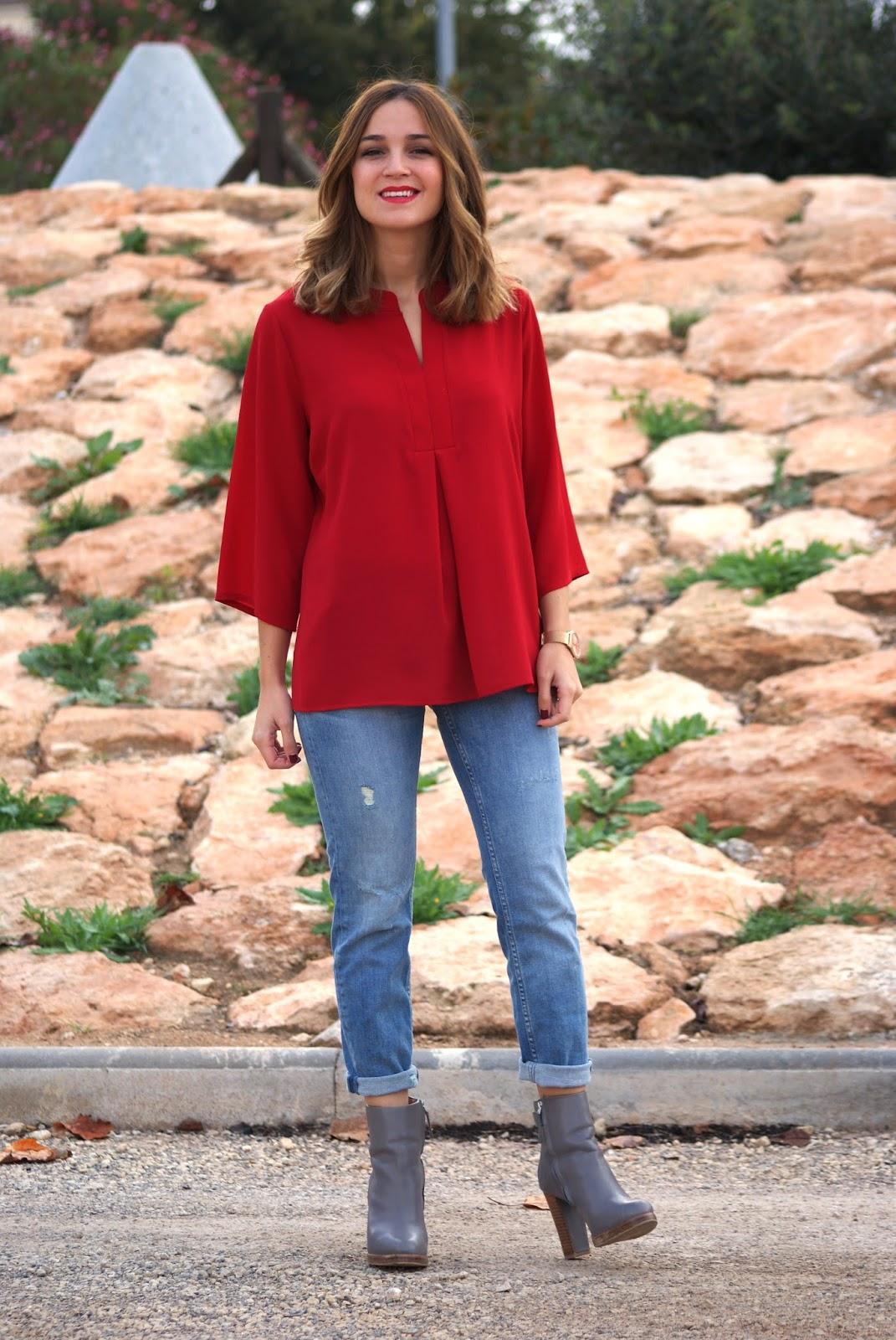 Vaqueros Con Camisa Roja