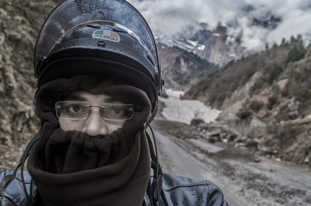 solo bike trip in extreme winter himalaya, budgetyatri-niraj-yadav