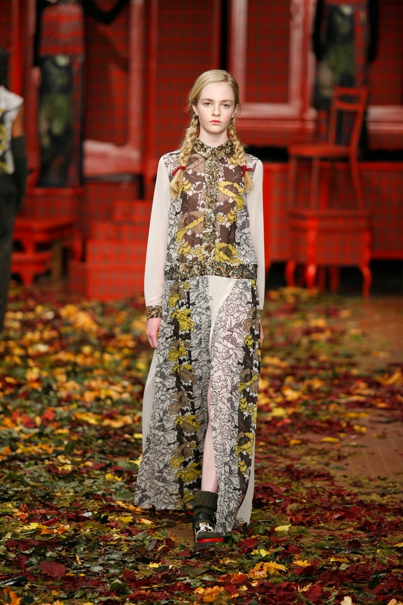 Isola Marras, I'm Isola Marras, Isola Marras AW15, Isola Marras FW15, Isola Marras Fall Winter 2015, Isola Marras Autumn Winter 2015, Isola Marras fall, Isola Marras fall 2015, du dessin aux podiums, dudessinauxpodiums, antonio marras, vintage look, dress to impress, dress for less, boho, unique vintage, alloy clothing, venus clothing, la moda, spring trends, tendance, tendance de mode, blog de mode, fashion blog, blog mode, mode paris, paris mode, fashion news, designer, fashion designer, moda in pelle, ross dress for less, fashion magazines, fashion blogs, mode a toi, revista de moda, vintage, vintage definition, vintage retro, top fashion, suits online, blog de moda, blog moda, ropa, asos dresses, blogs de moda, dresses, tunique femme, vetements femmes, fashion tops, womens fashions, vetement tendance, fashion dresses, ladies clothes, robes de soiree, robe bustier, robe sexy, sexy dress