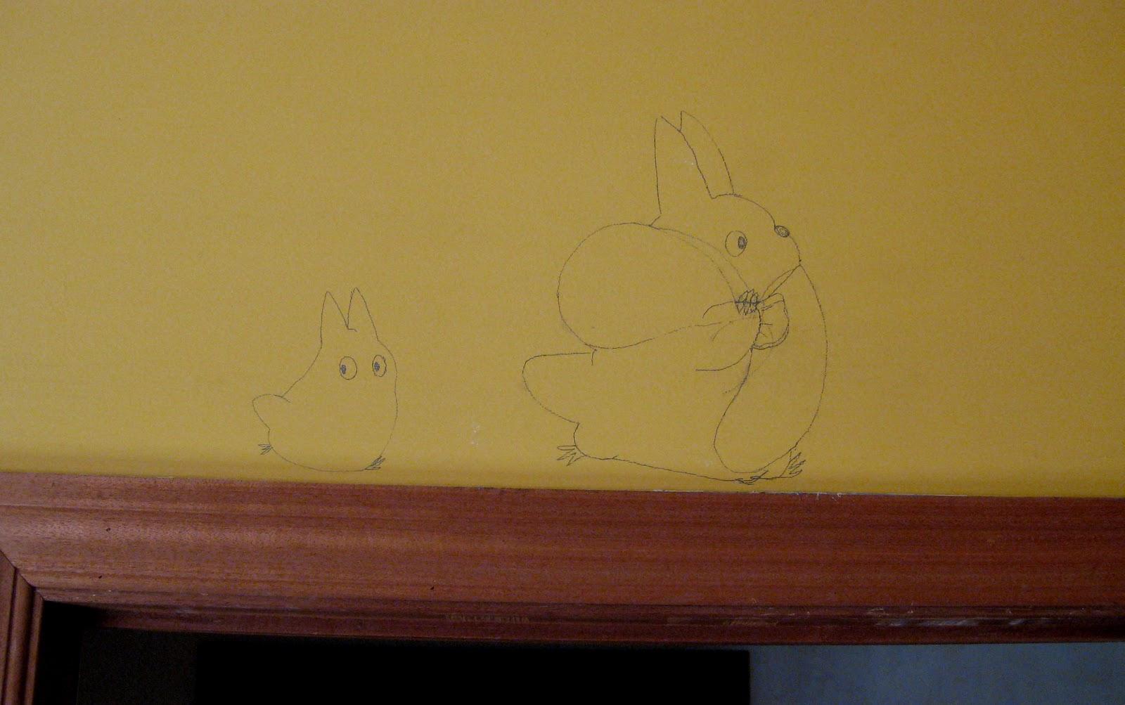 Un poco de todo c mo pintar totoros en la pared - Mezclar colores para pintar paredes ...