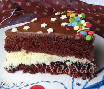 receita de torta de chocolate com recheio de doce de coco