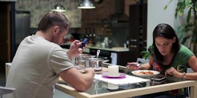 buongiornolink - Italiani e smartphone uno su due non rinuncia allo smartphone ma non nei pasti