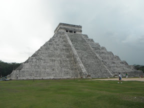 Chichen-Itza: Lost Maya City of Ruins!