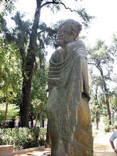 Sevilla - Estatua de la Duquesa de Alba 04