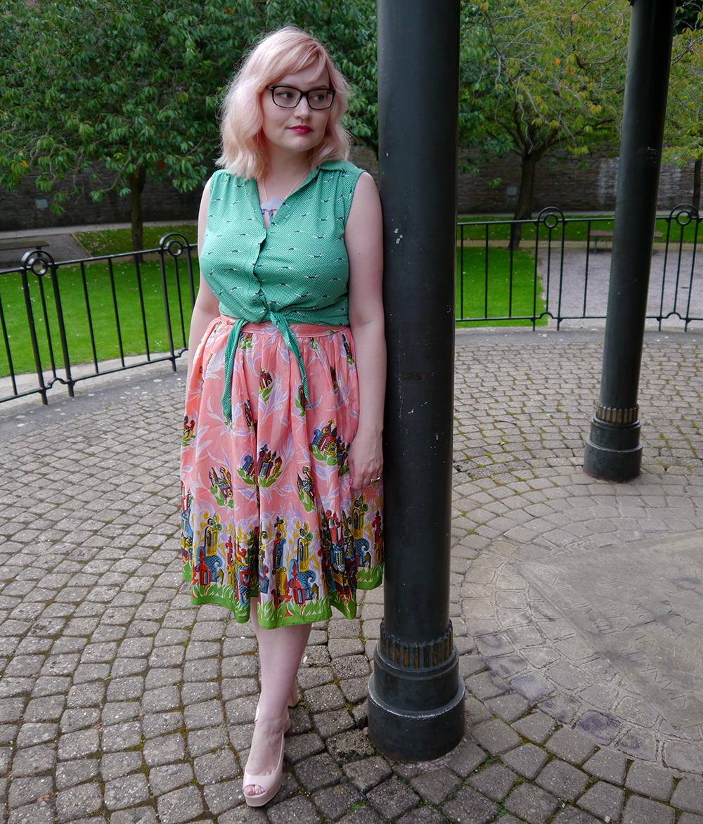 Nicely Eclectic, vintage clothing, Dundee photoshoot location, swing dress, BOB by DOP, H! Henry Holland, modern styling with vintage, pink hair, candy floss hair DIY, girls with glasses