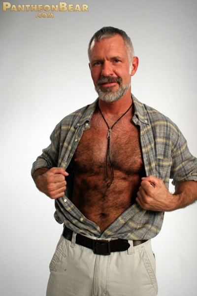Tiozao Sey Maduro De Barba Branca E Peito Peludo