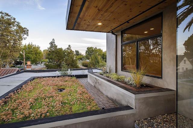 Modern exterior facade of the Contemporary Style Home in Burlingame