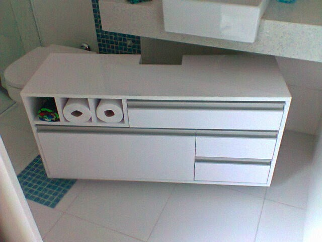 Construindo um novo sonho BANHEIRO DOS MENINOS -> Armario De Banheiro Rodinha