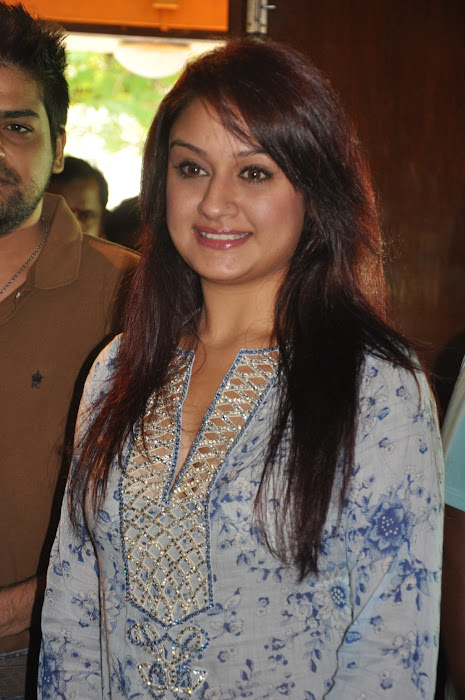sonia agarwal new latest photos