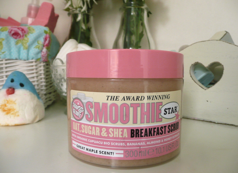 UK beauty blogger UK lifestyle blogger review swatch soap & glory smoothie star breakfast scrub