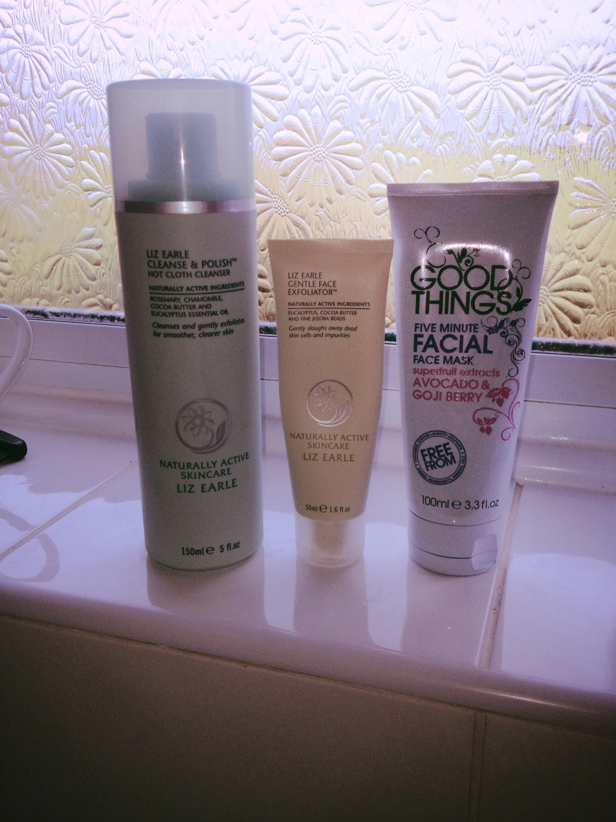 Liz Earle Cleanse and Polish, Liz Earle Gentle Face Exfoliator, Good Things Five Minute Facial 1