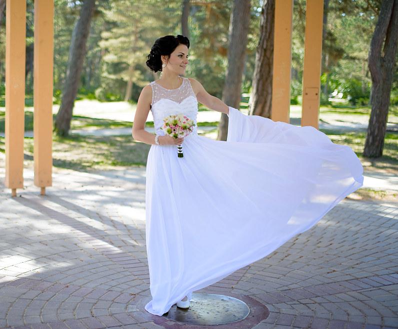 elegantiška graikiško stiliaus vestuvinė suknelė